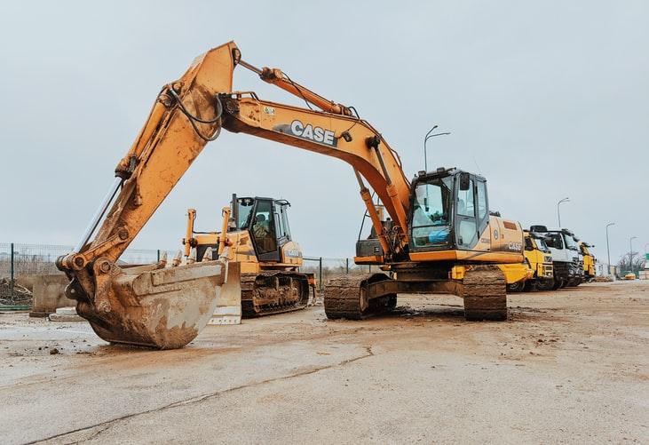 perbedaan excavator dan backhoe